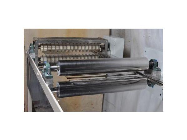 Машина резки кондитерских или грильяжных пластов CM-1